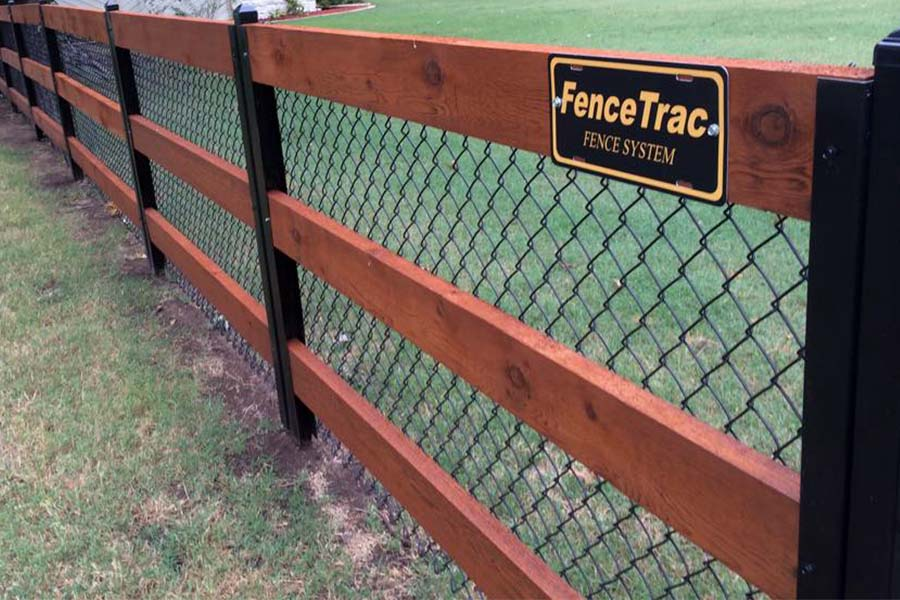 FenceTrac Ranch Rail Fence With Metal Posts