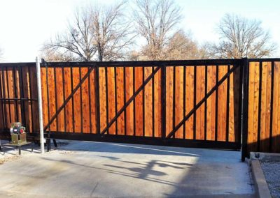 Heavy-Duty Privacy Fence with Rolling Gate
