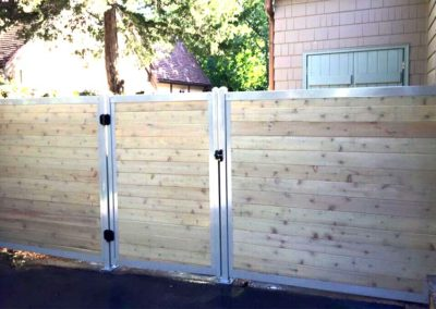 FenceTrac Horizontal Wood & Metal Privacy Fence With Gate