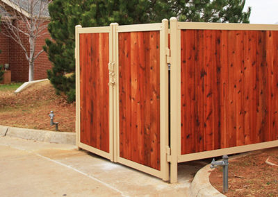FenceTrac Dumpster Enclosure Without H-TRAC