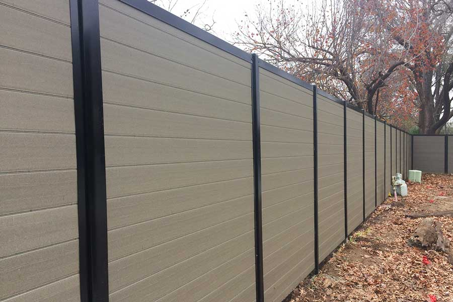 Is a Horizontal Fence Right For You? (Here Are Some Things ... Ranch House Fencing Designs on