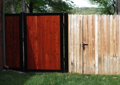 privacy-fence-ideas_0008_compare-fencetrac-to-wood