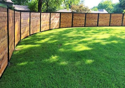 Curved Privacy Fence Horizontal Pickets