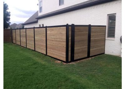 Horizontal Wood Metal Privacy Fence