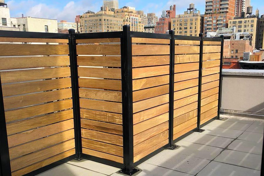Rooftop Horizontal Wood Metal Fence